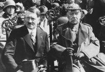 El día que Hitler se convirtió en Führer: La visita a un moribundo, un decreto y la obtención del poder total