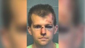 Un hombre golpea al pastor de una iglesia después de que lo sorprendiera tocando indebidamente a su hijo de 9 años