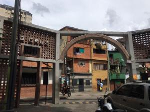 La Cruz: El popular sector de Chacao que alfabetiza a sus niños sin ayuda