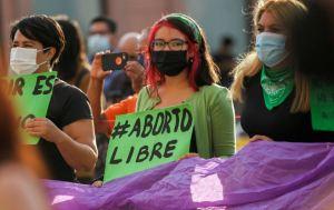 La ola verde: ¿Se abre Latinoamérica al aborto? – Participa en nuestra encuesta
