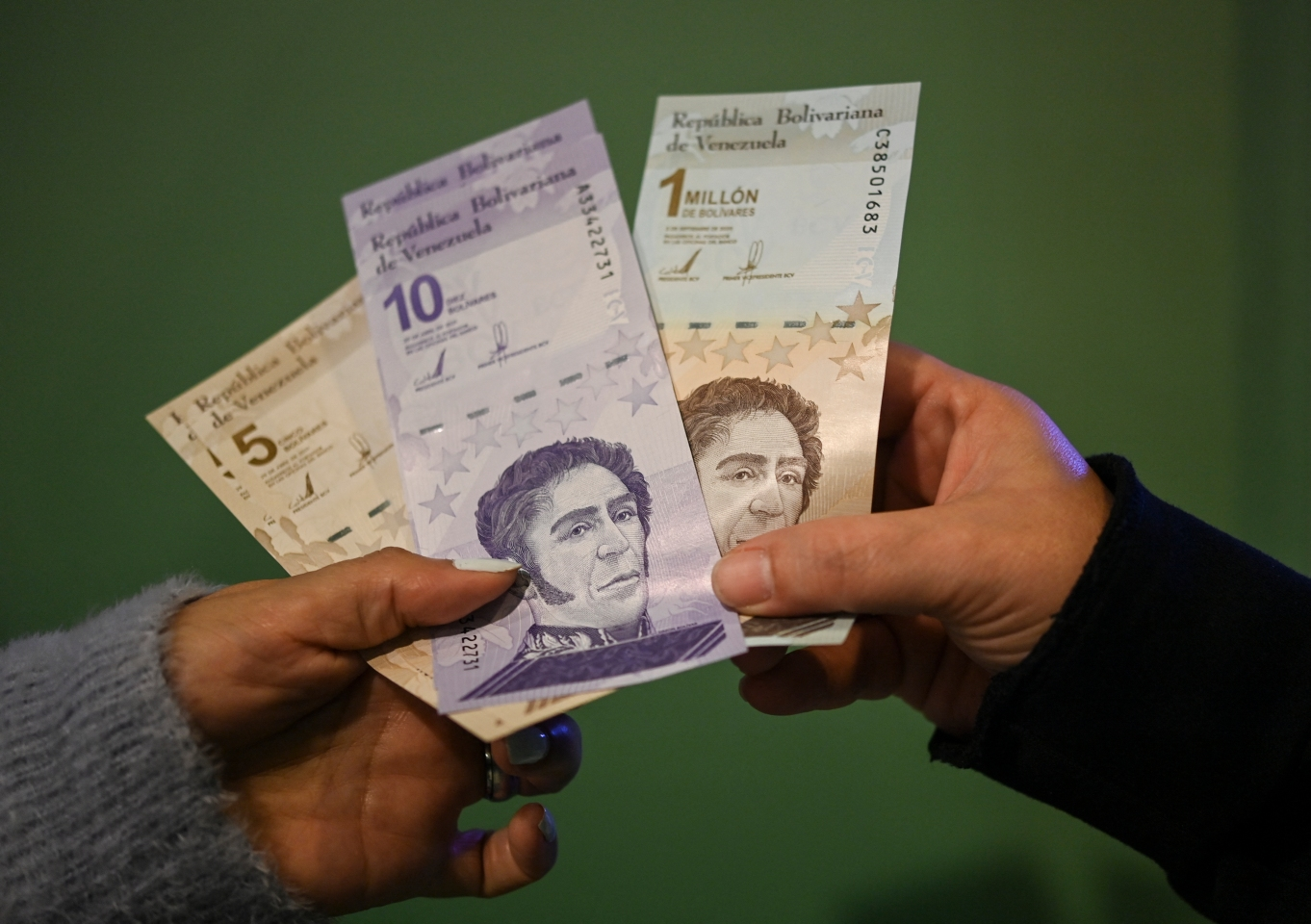 Expertos proyectan fin de la hiperinflación en Venezuela para el 2022