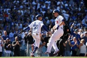 Dodgers revivieron con jonrones de Seager y Bellinger ante Bravos