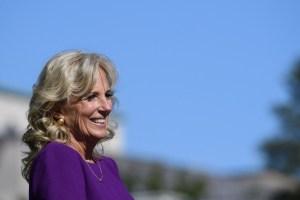 Jill Biden visitará escuela de Nueva York tras presionar por aumentos salariales para los maestros